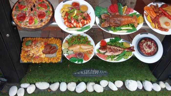 To nie jest tradycyjna turecka kuchnia- to plastikowe modele potraw z Alanyi