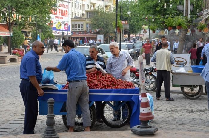 Najczęściej spotykany męski strój w Turcji
