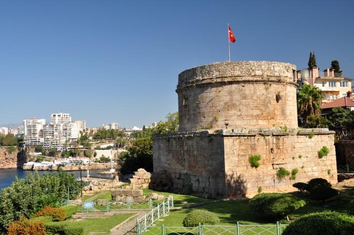 Wieża Hıdırlık w Antalyi