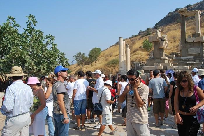 Tym wszystkim ludziom nikt nie powiedział, że Efezu nie warto odwiedzać