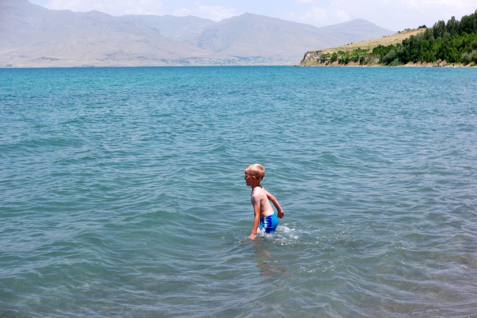 Kąpiel w jeziorze Van