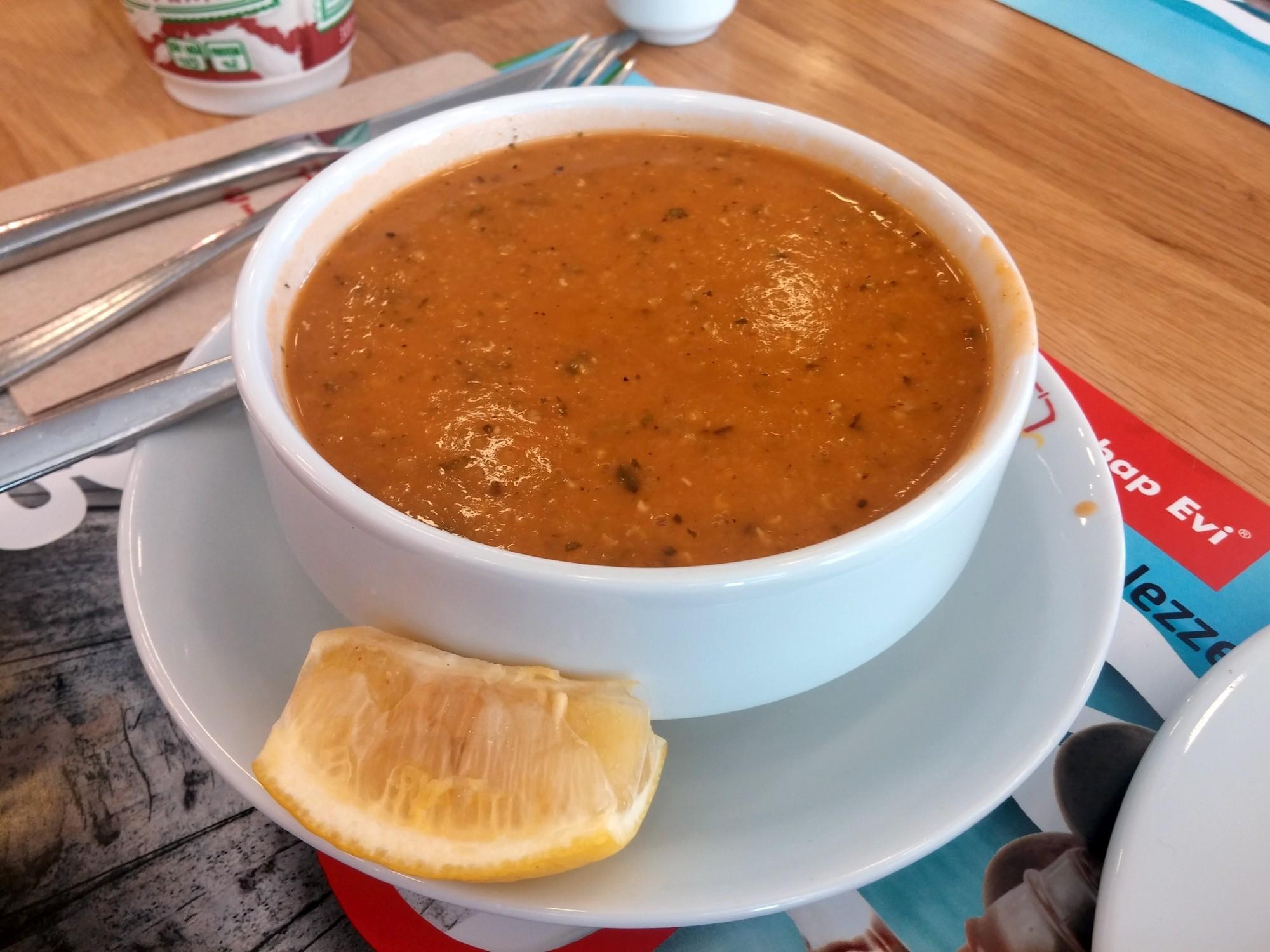 Ulubiona zupa z soczewicy podawana w Van