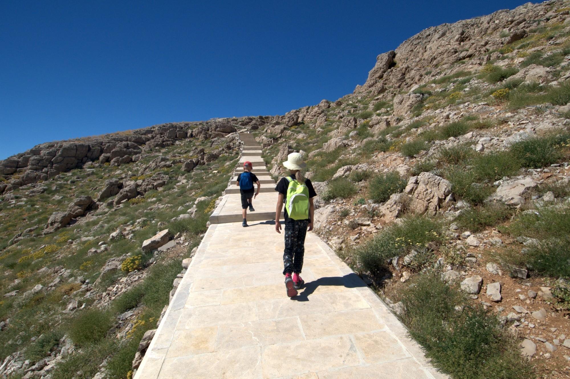 Wspinaczka na Górę Nemrut