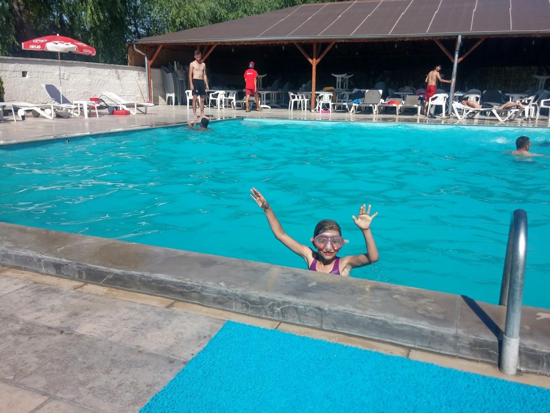 Tola w basenie w Avanos