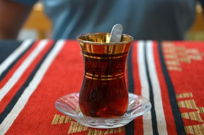 Na upał, na zmartwienie, dla towarzystwa - zawsze czas na herbatę