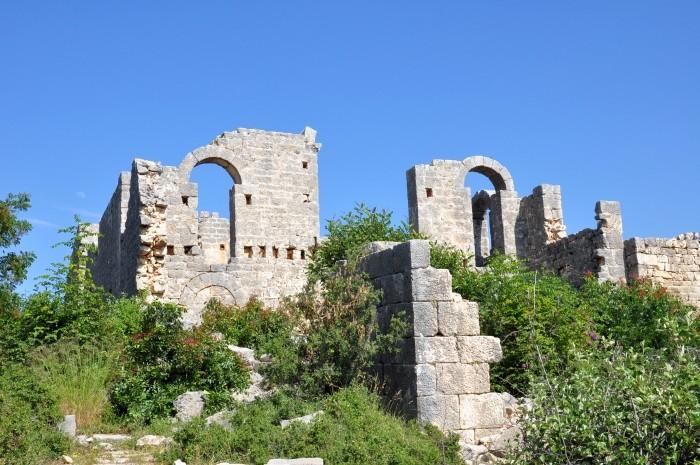 Taka ładna ruina, a nikt tu nie zagląda (Işıkkale koło Silifke)!