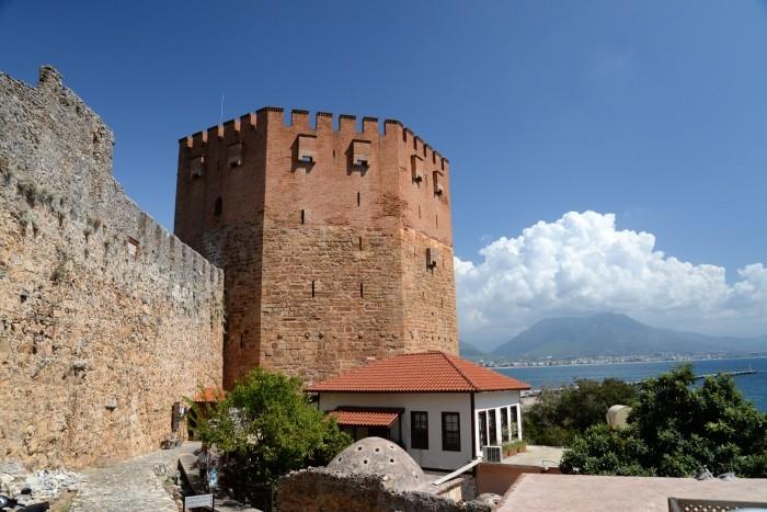 Czerwona Wieża w Alanyi - fragment fortyfikacji seldżuckich