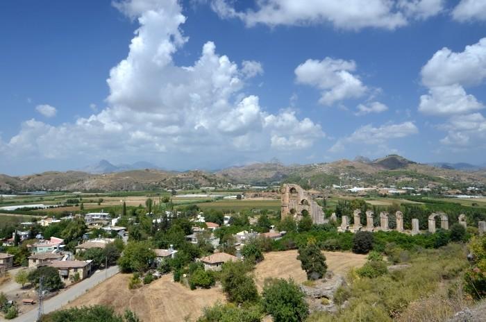 Widok na Pamfilię i akwedukt w Aspendos
