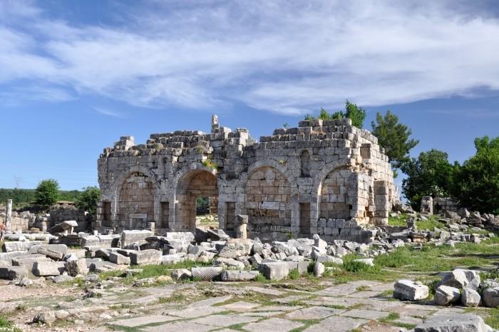 Brama rzymska w Perge