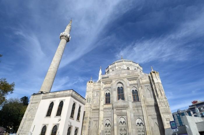 Meczet Pertevniyal Valide Sultan w Stambule