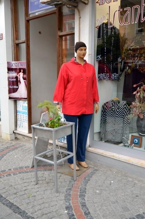 Pulchny manekin - punkt zbiórki w Edirne