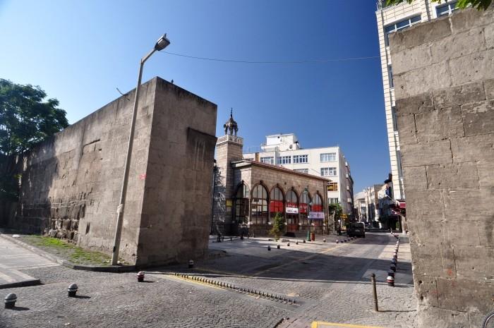 Brama Sivas i meczet Cıncıklı