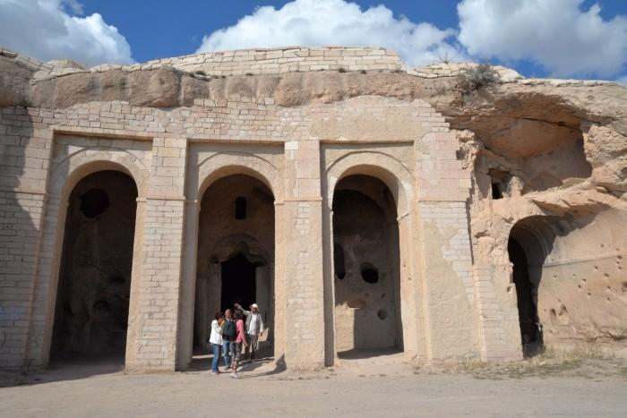 Kościół i klasztor w skale czyli Belha