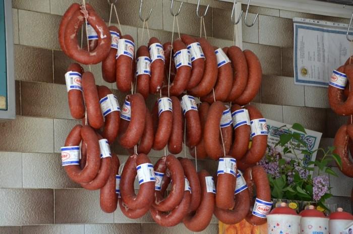 Sucuk w sklepie mięsnym w Afyonie