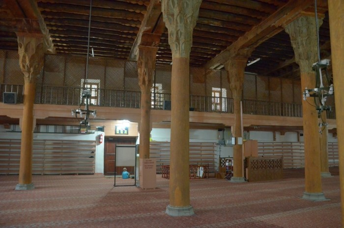Wnętrze Wielkiego Meczetu w Afyonie