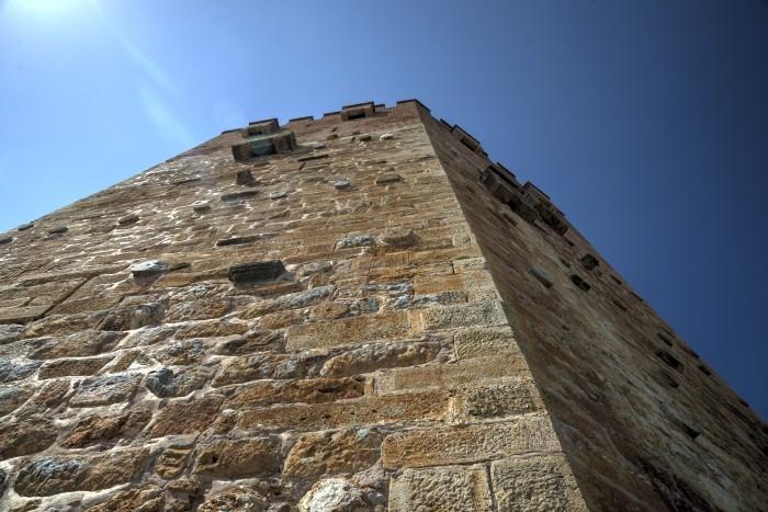 Mur Czerwonej Wieży w Alanyi