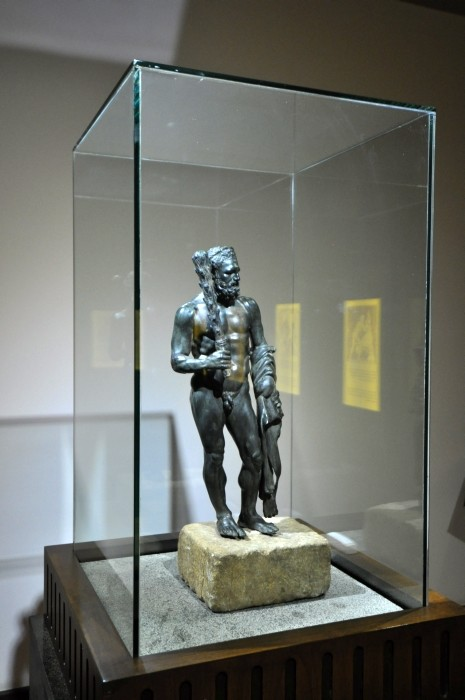Figurka Heraklesa