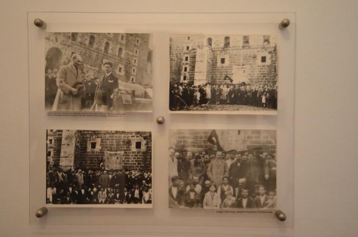 Zdjęcia z pobytu Atatürka w Aspendos - ekspozycja muzealna