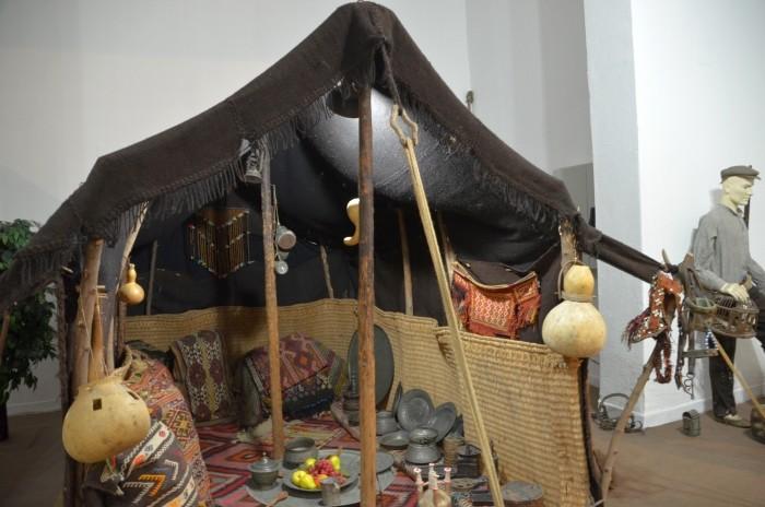 Rekonstrukcja namiotu nomadów