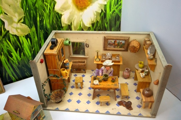 Muzeum Zabawek - domek dla lalek