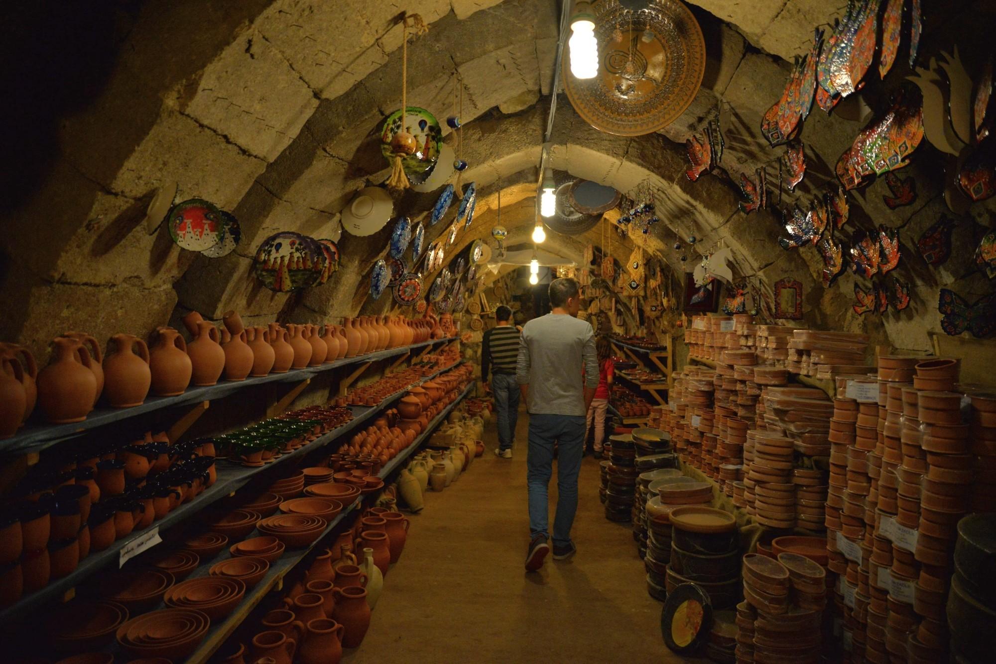 Podziemia warsztatu ceramicznego w Avanos