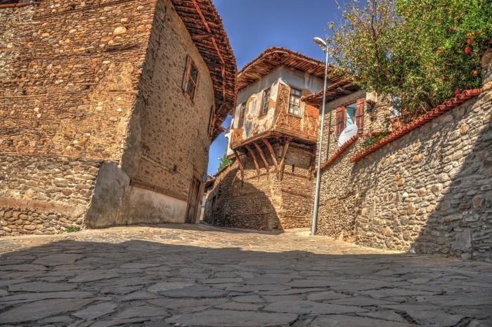 Zabytkowe domy w Birgi