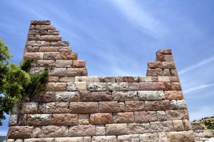 Jedna z wież obronnych Bramy Myndos