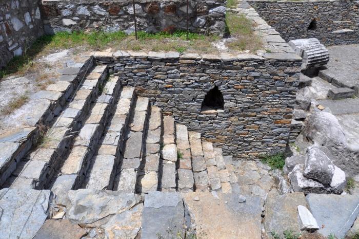 Schody do komory grobowej Mauzolosa i Artemizji