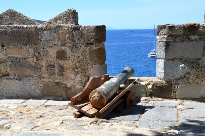 Widok na Morze Egejskie z fortyfikacji Zamku Świętego Piotra