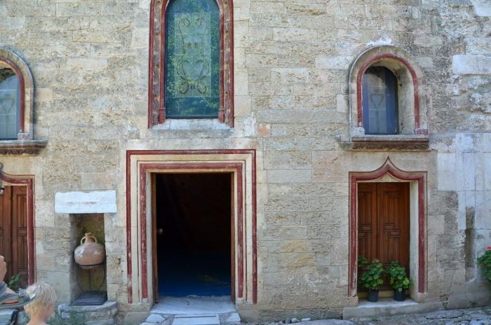 Wejście do dawnej kaplicy zamkowej, obecnie mieści się w niej ekspozycja muzealna