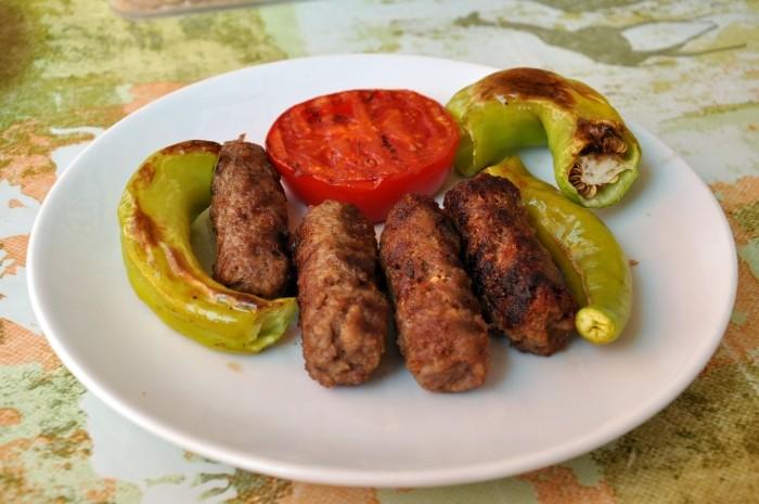Köfte z lokanty Gülen Piliç