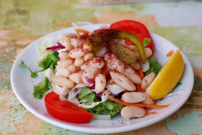 Piyaz z lokanty Gülen Piliç