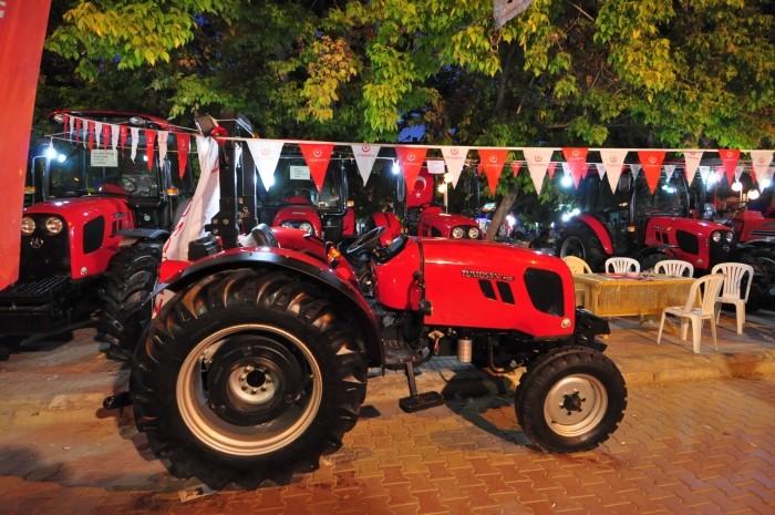 Wystawa traktorów w Çivril