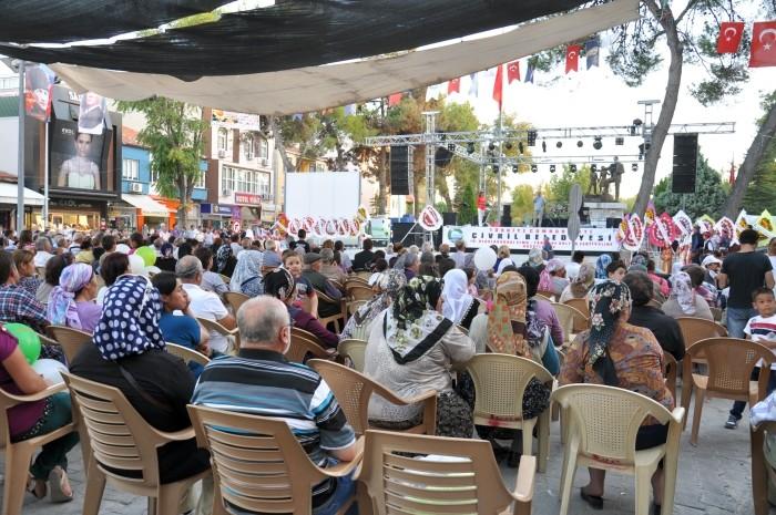 Mieszkańcy Çivril podczas festiwalu