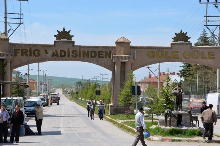 Brama wyjazdowa z Döğer prowadząca na południe - pożegnanie z Doliną Frygijską