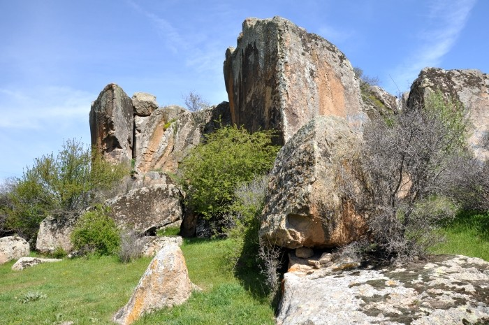 Formacje skalne na południe od Döğer