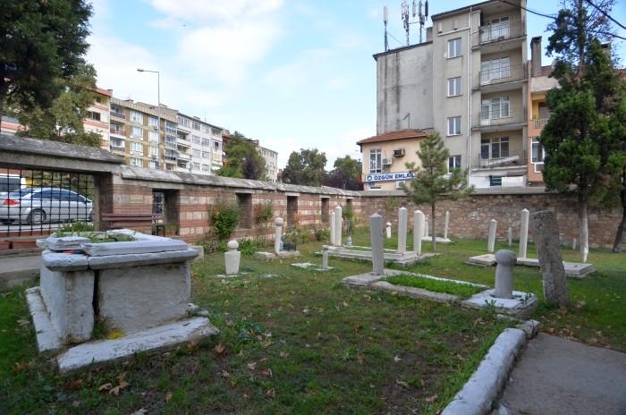 Cmentarz przy meczecie Kadı Bedrettin w Edirne