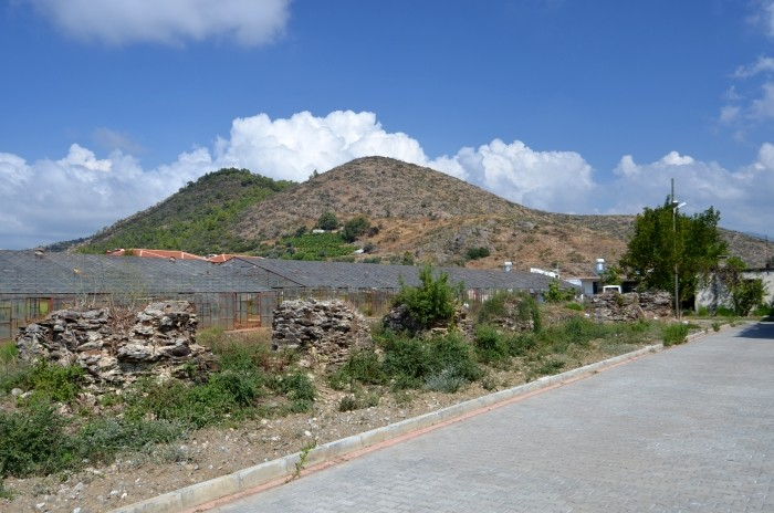 Szklarnie i ruiny w Gazipaşa