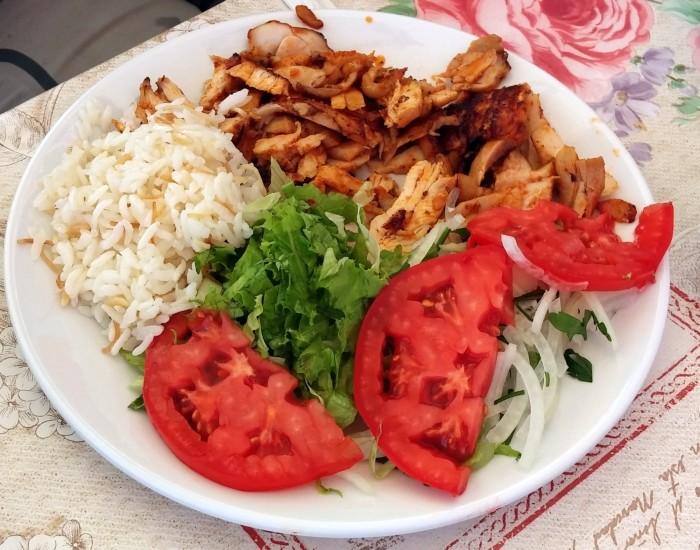 Kebab z kurczaka w restauracji Ata Köfte w Gelibolu