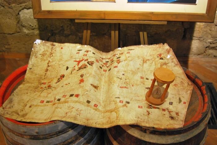 Kopia słynnej mapy Piri Reisa
