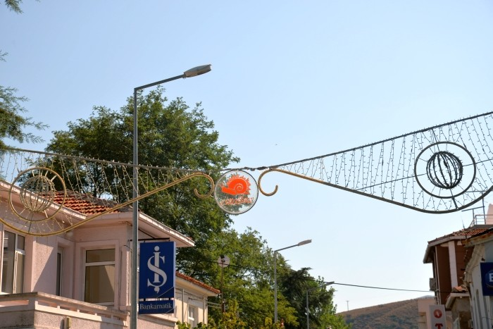 Logo ruchu Cittàslow na wyspie Gökçeada