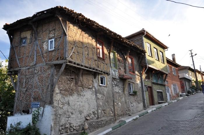 Zabytkowe budynki popadają w ruinę