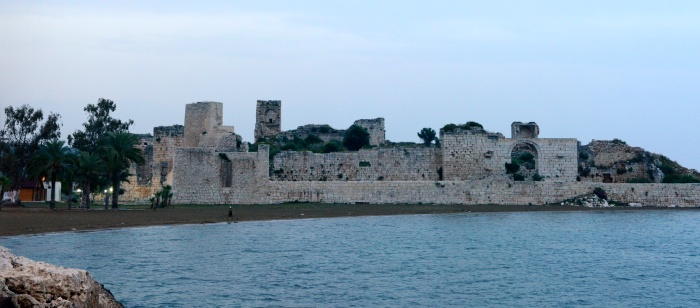Zamek Korykos o zmierzchu