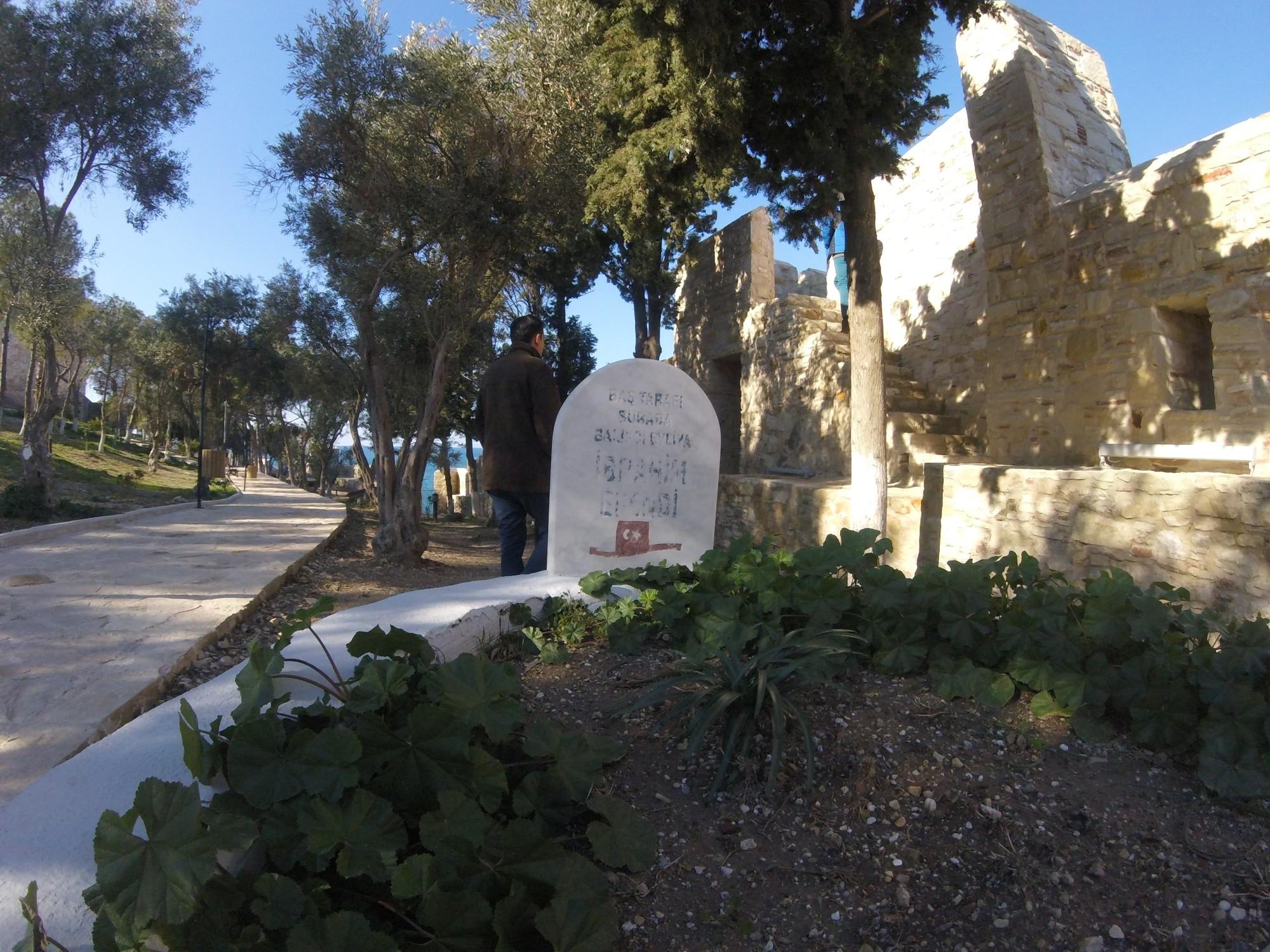 Güvercinada - grób Ibrahima Halveti