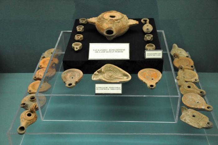Eksponaty w Muzeum Archeologicznym w Kütahyi