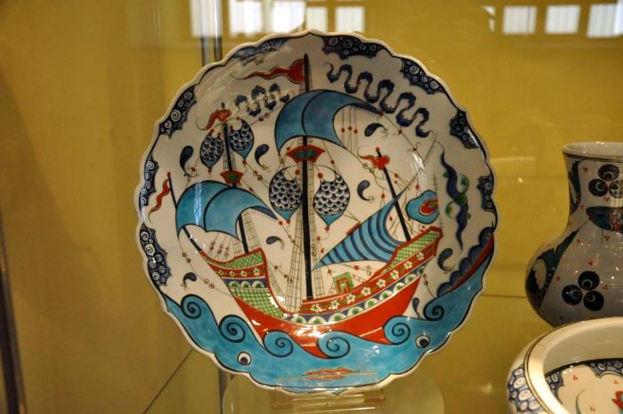 Takiego talerza nie można kupić - to ekspozycja Muzeum Kafli w Kütahyi