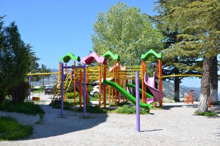 Plac zabaw na terenie twierdzy