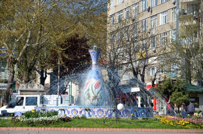 Fontanna na placu Zafer Meydanı