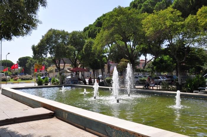 Fontanna w parku w Ödemiş