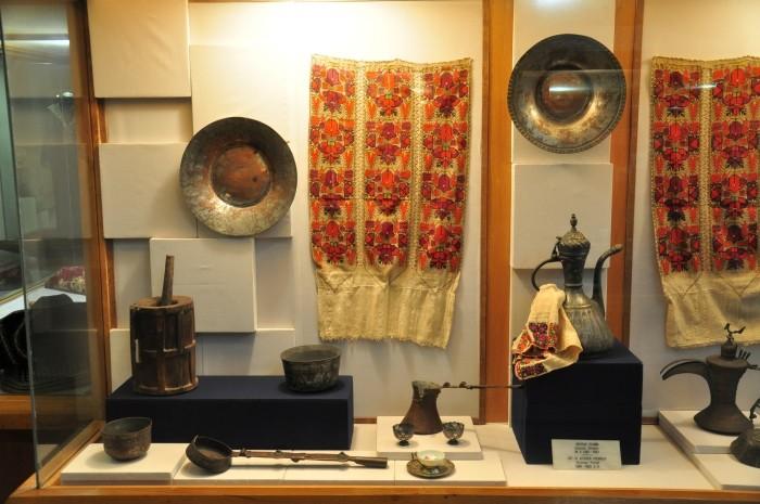 Eksponaty etnograficzne w muzeum w Ödemiş
